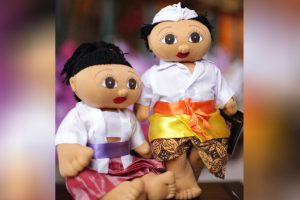 Balinese-Couple-Doll